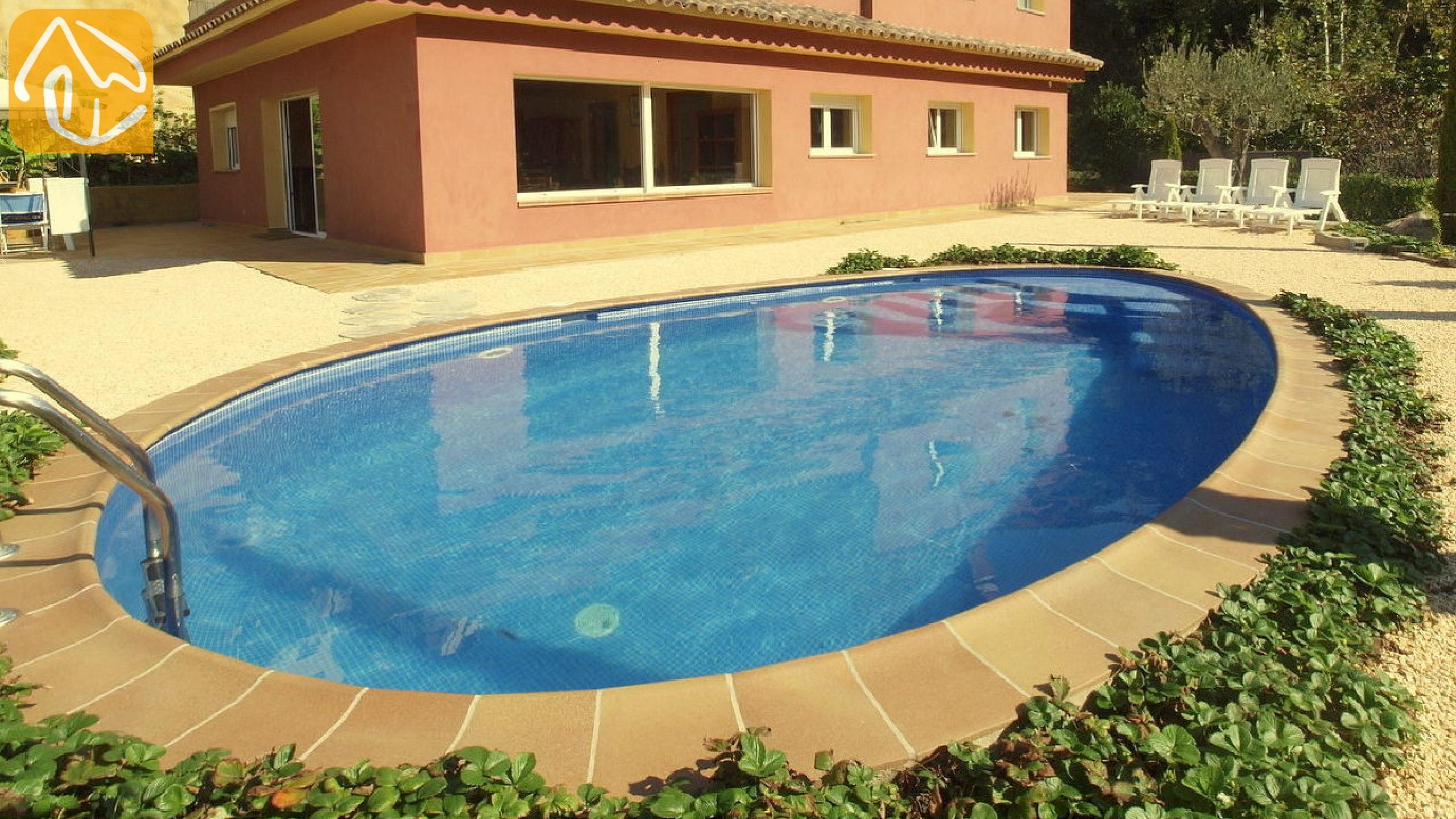 Ferienhäuser Costa Brava Spanien   Villa Bordeaux   Villa Außenbereich