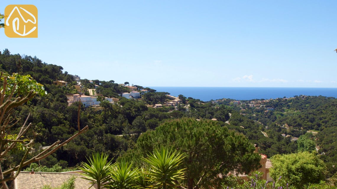 Holiday villas Costa Brava Spain - Villa Savana - One of the views