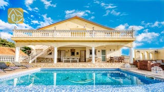 Holiday villas Costa Brava Spain - Villa Madonna - Villa outside