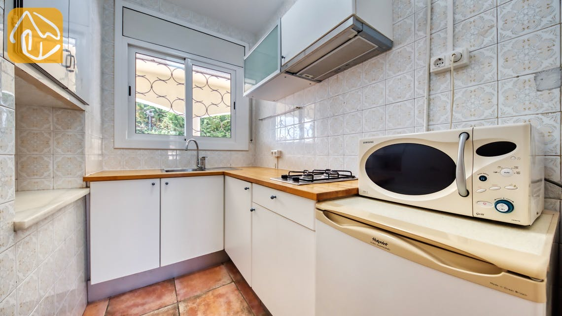 Holiday villas Costa Brava Spain - Villa Madonna - Kitchen
