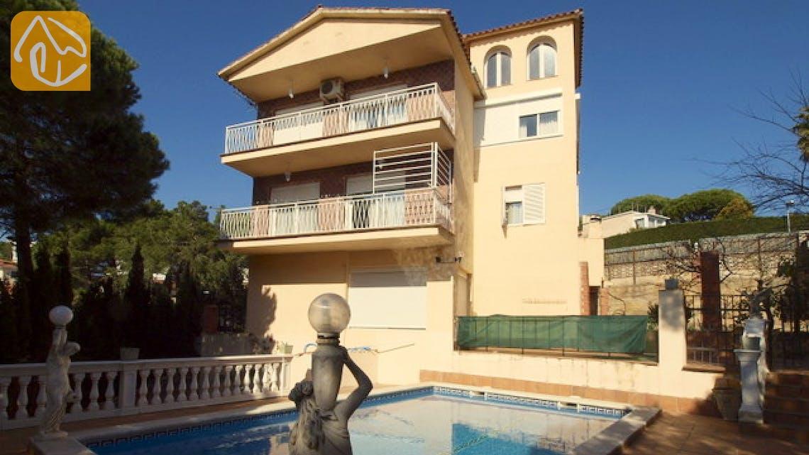 Holiday villas Costa Brava Spain - Villa Caselas - Villa outside