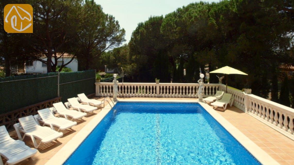 Holiday villas Costa Brava Spain - Villa Caselas - Swimming pool