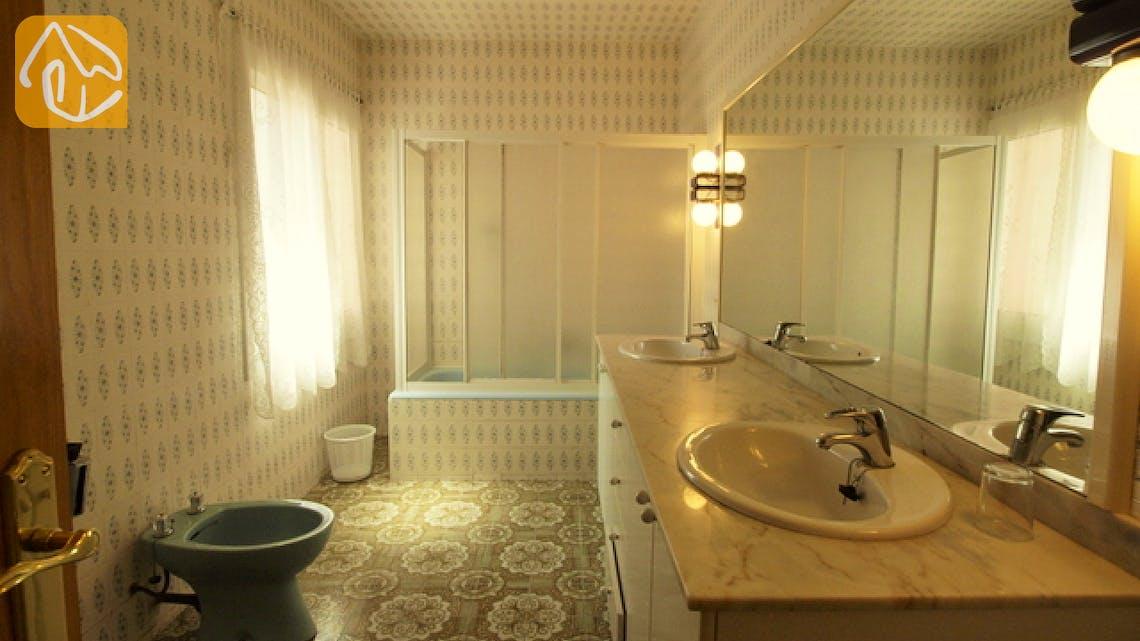 Holiday villas Costa Brava Spain - Villa Caselas - Bathroom
