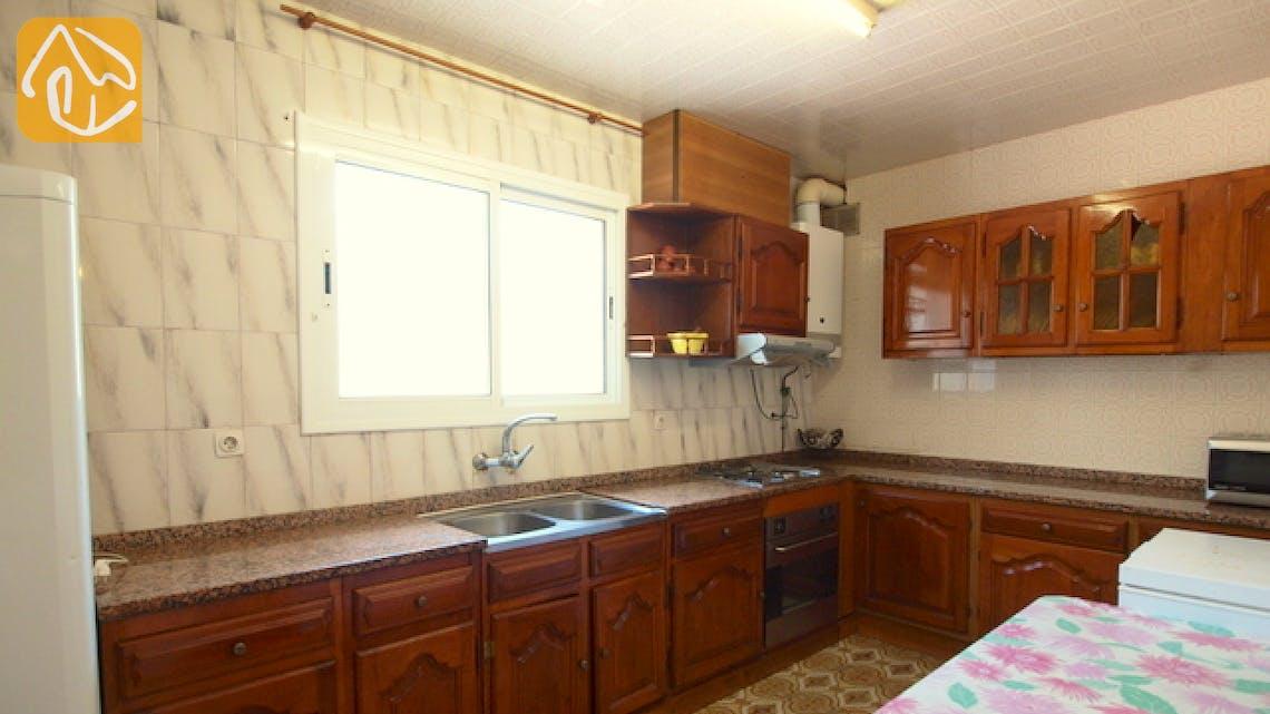 Holiday villas Costa Brava Spain - Villa Caselas - Kitchen
