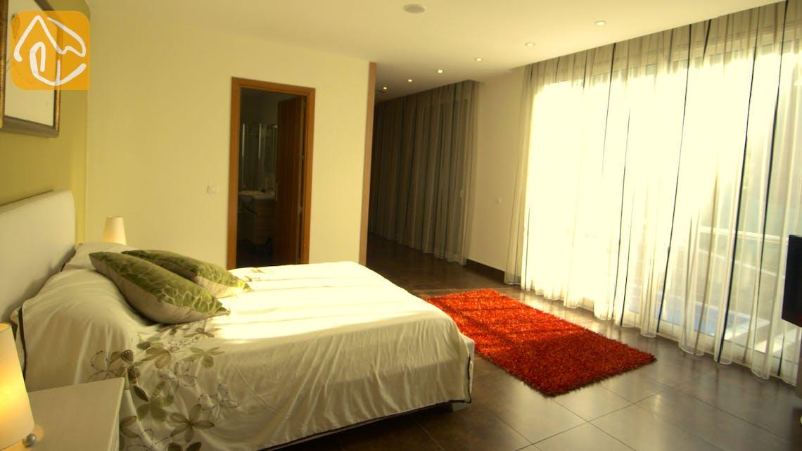 Holiday villas Costa Brava Spain - Villa Amazing - Master bedroom