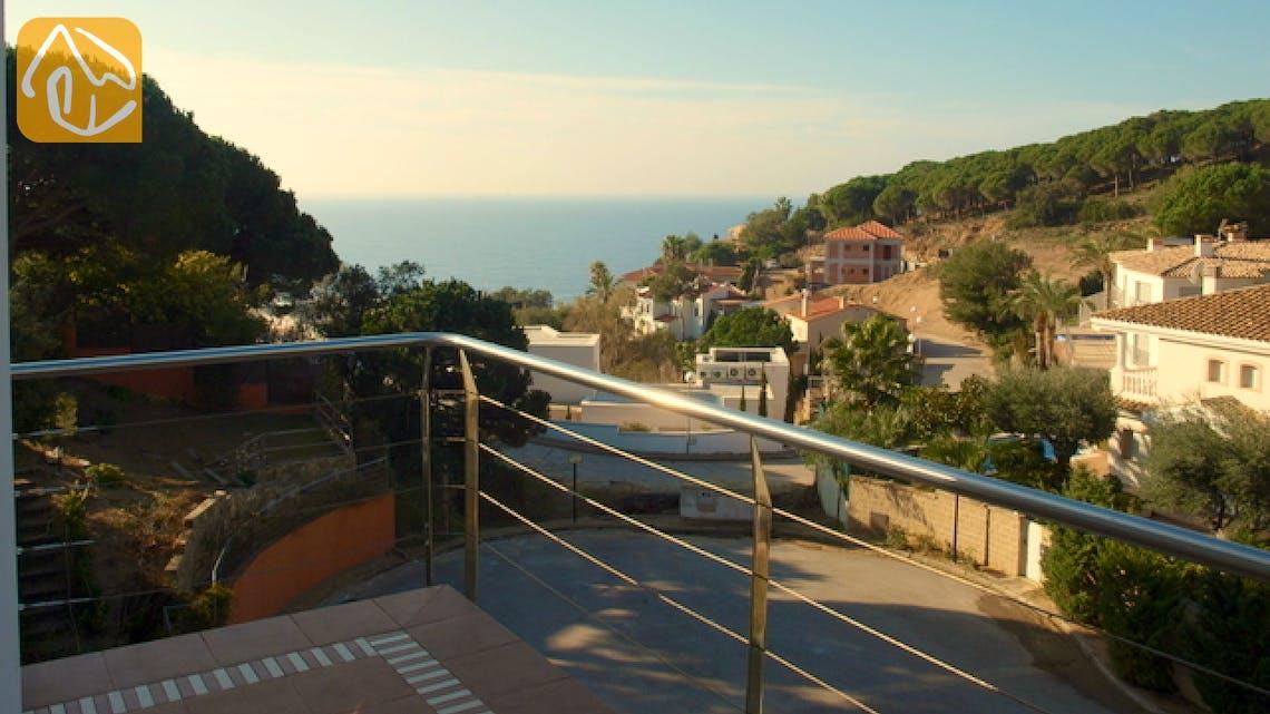 Holiday villas Costa Brava Spain - Villa Amazing - One of the views