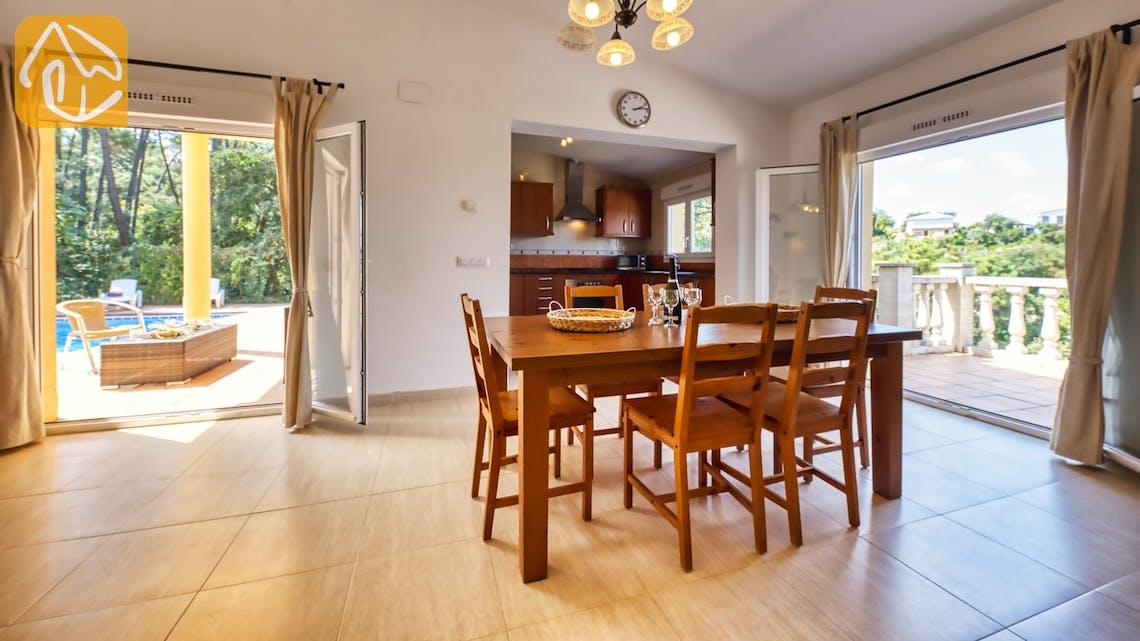 Holiday villas Costa Brava Spain - Villa Esmee - Dining area