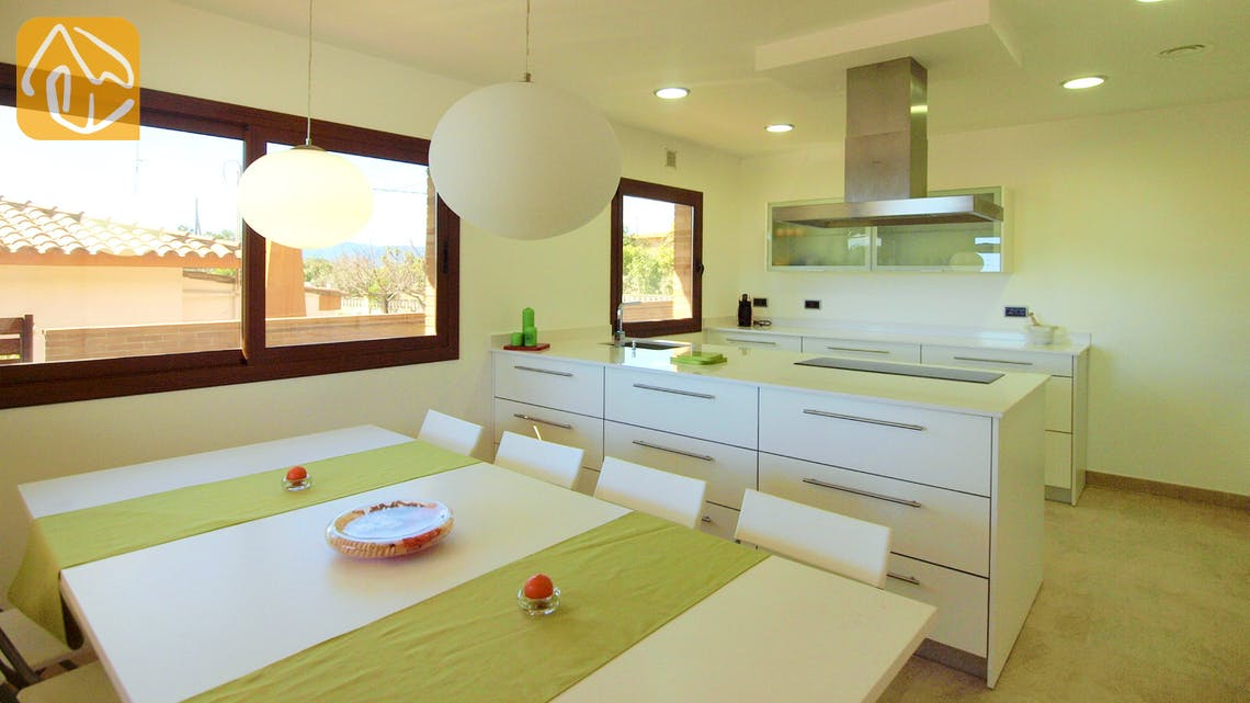 Holiday villas Costa Brava Spain - Villa Ibiza - Villa outside