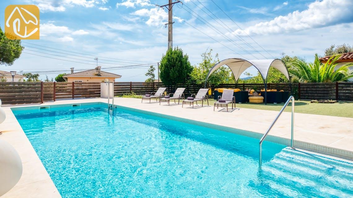 Ferienhäuser Costa Brava Spanien - Villa Ibiza - Sonnenliegen