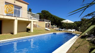 Holiday villas Costa Brava Spain - Villa Rihanna - Villa outside