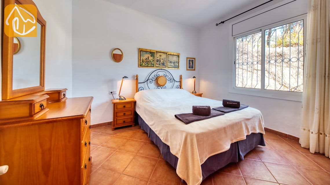 Holiday villas Costa Brava Spain - Villa Mestral - Master bedroom