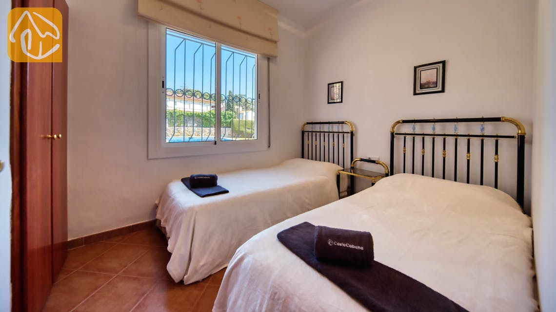 Holiday villas Costa Brava Spain - Villa Mestral - Bedroom