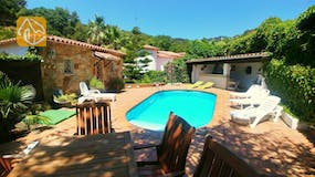 Holiday villas Costa Brava Spain - Villa Palmera - Swimming pool