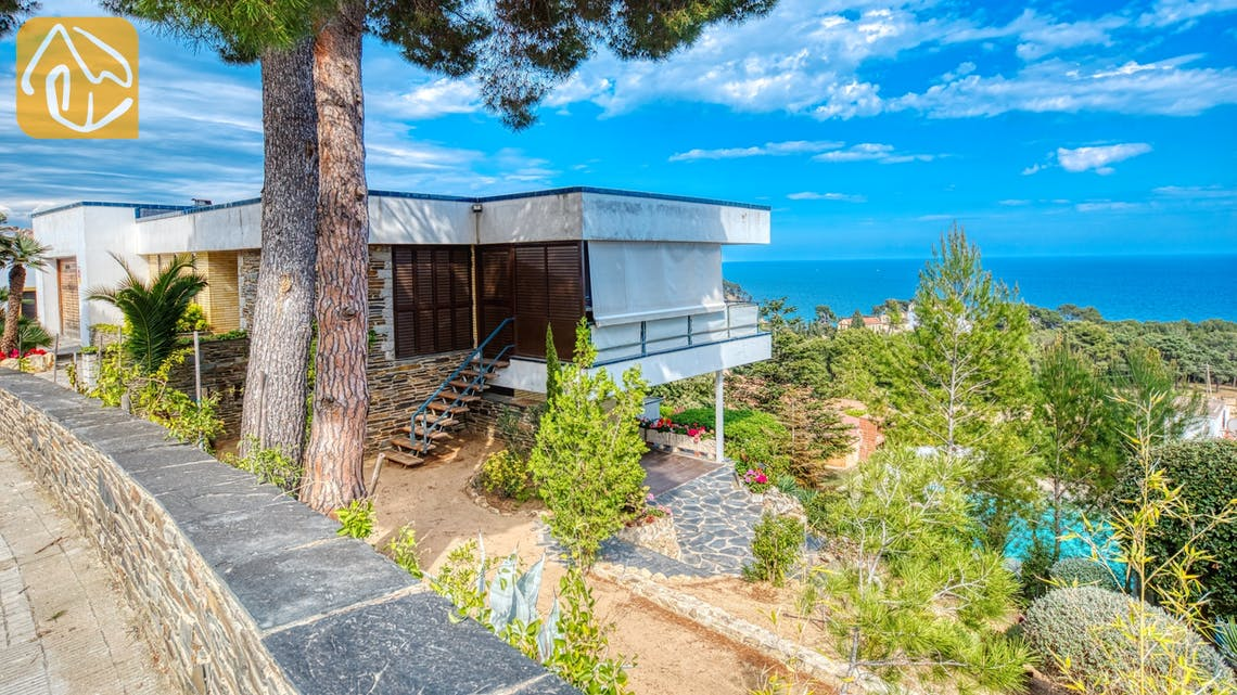 Holiday villas Costa Brava Spain - Villa Emma - Villa outside