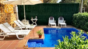 Holiday villas Costa Brava Spain - Villa Charlotte - Swimming pool