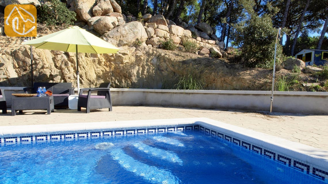 Holiday villas Costa Brava Spain - Villa Daisy - Garden