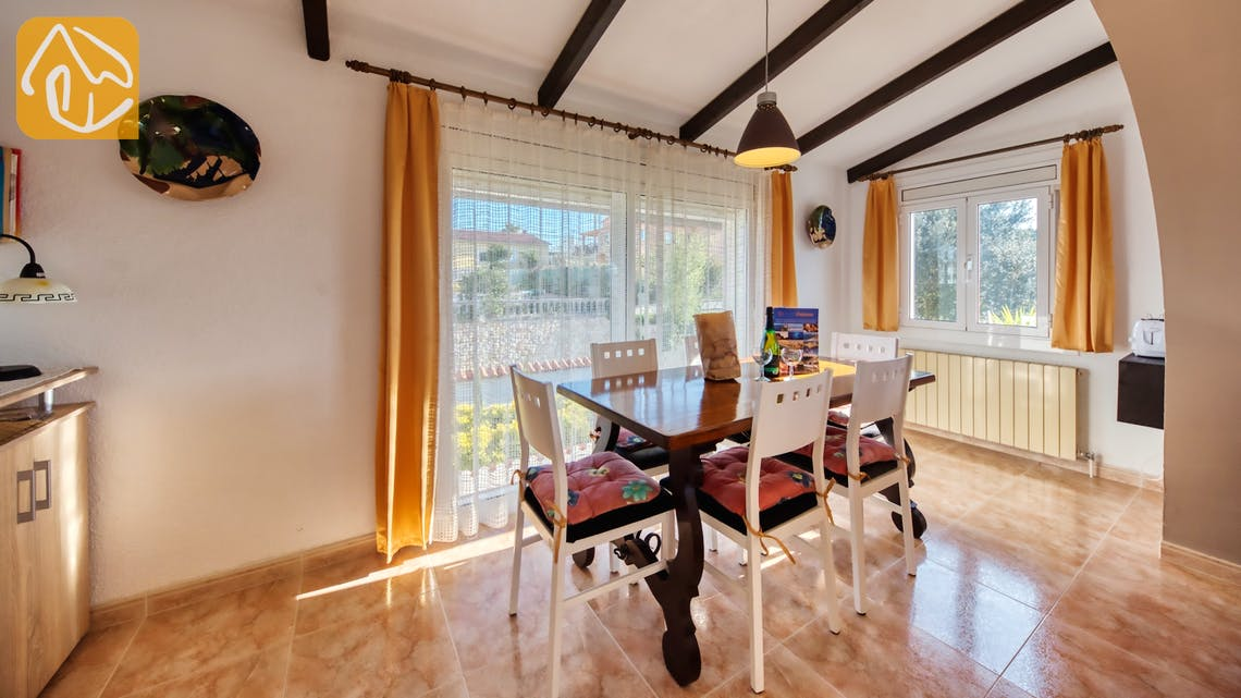 Holiday villas Costa Brava Spain - Villa Elfi - Dining area