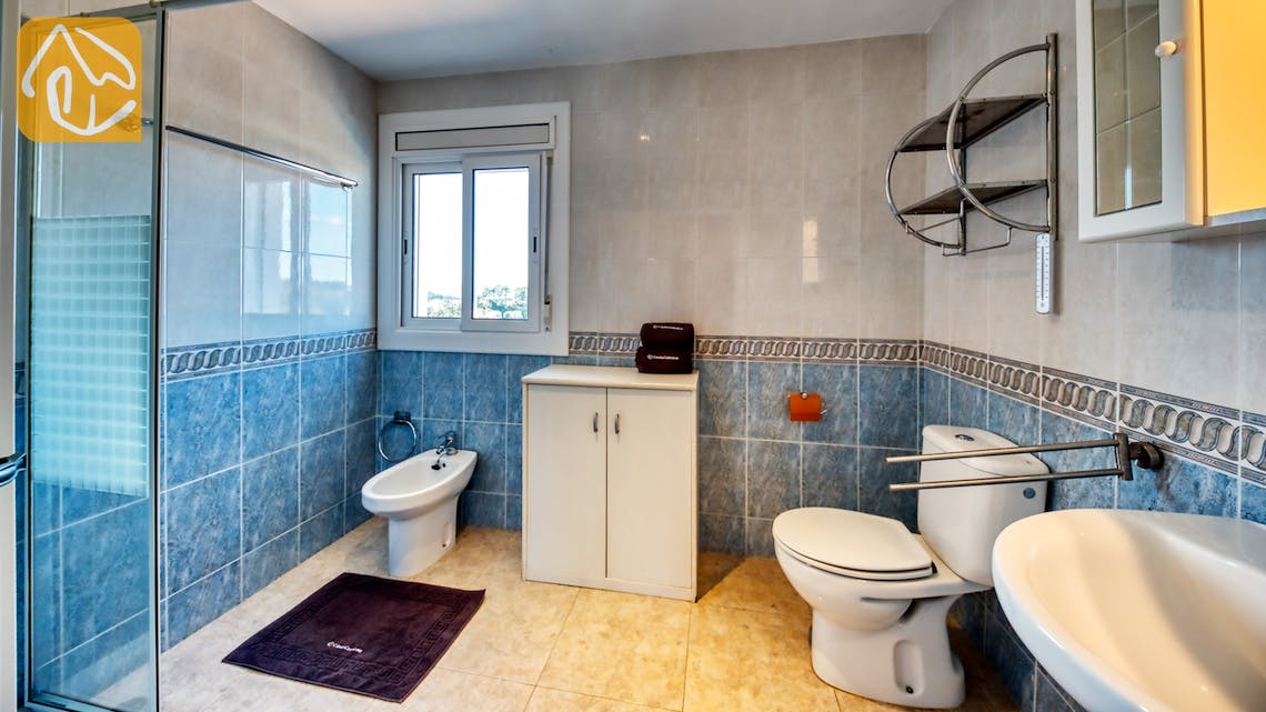 Holiday villas Costa Brava Spain - Villa Elfi - Bathroom