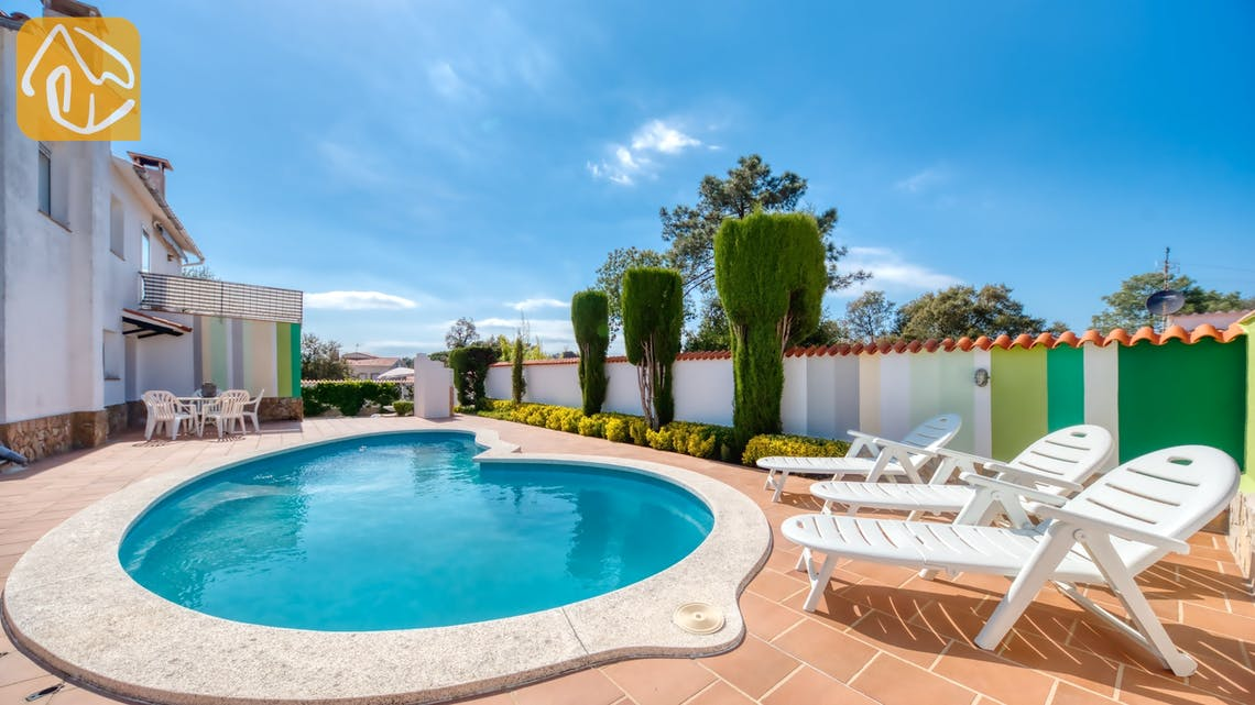 Holiday villas Costa Brava Spain - Villa Elfi - Swimming pool