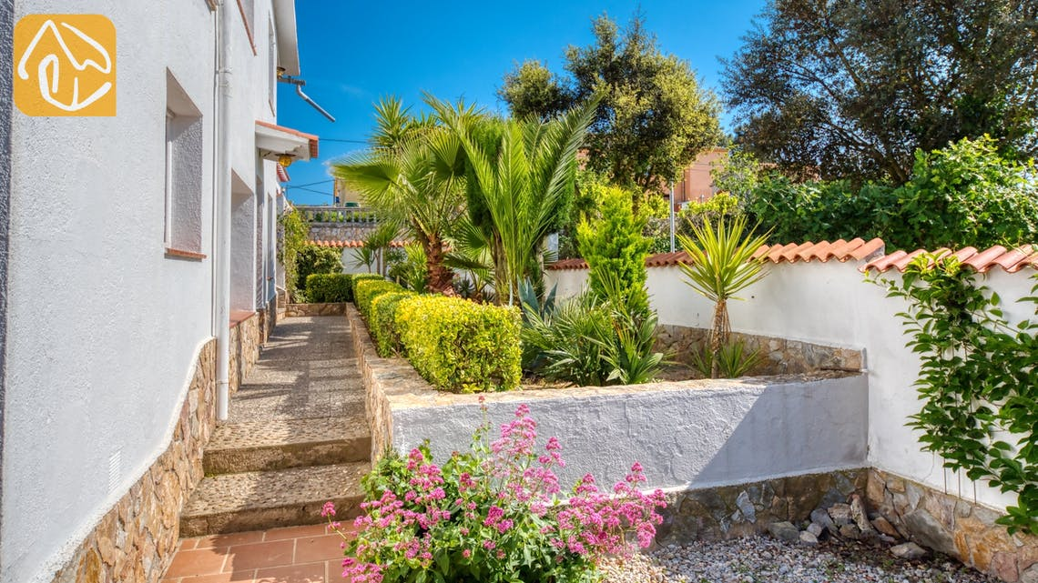 Holiday villas Costa Brava Spain - Villa Elfi - Garden