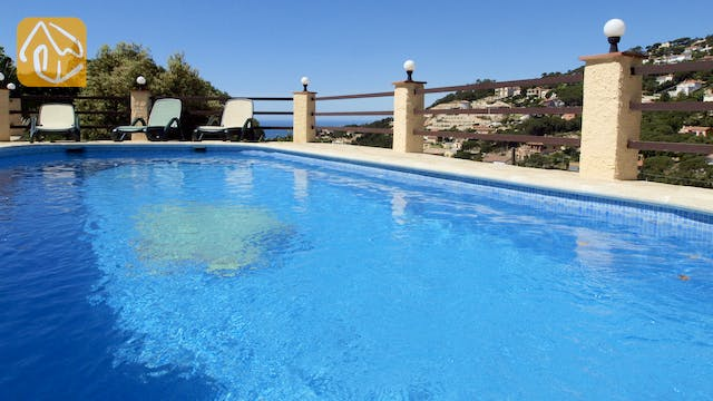 Holiday villas Costa Brava Spain - Villa Shelby - Swimming pool