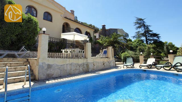 Holiday villas Costa Brava Spain - Villa Shelby - Villa outside