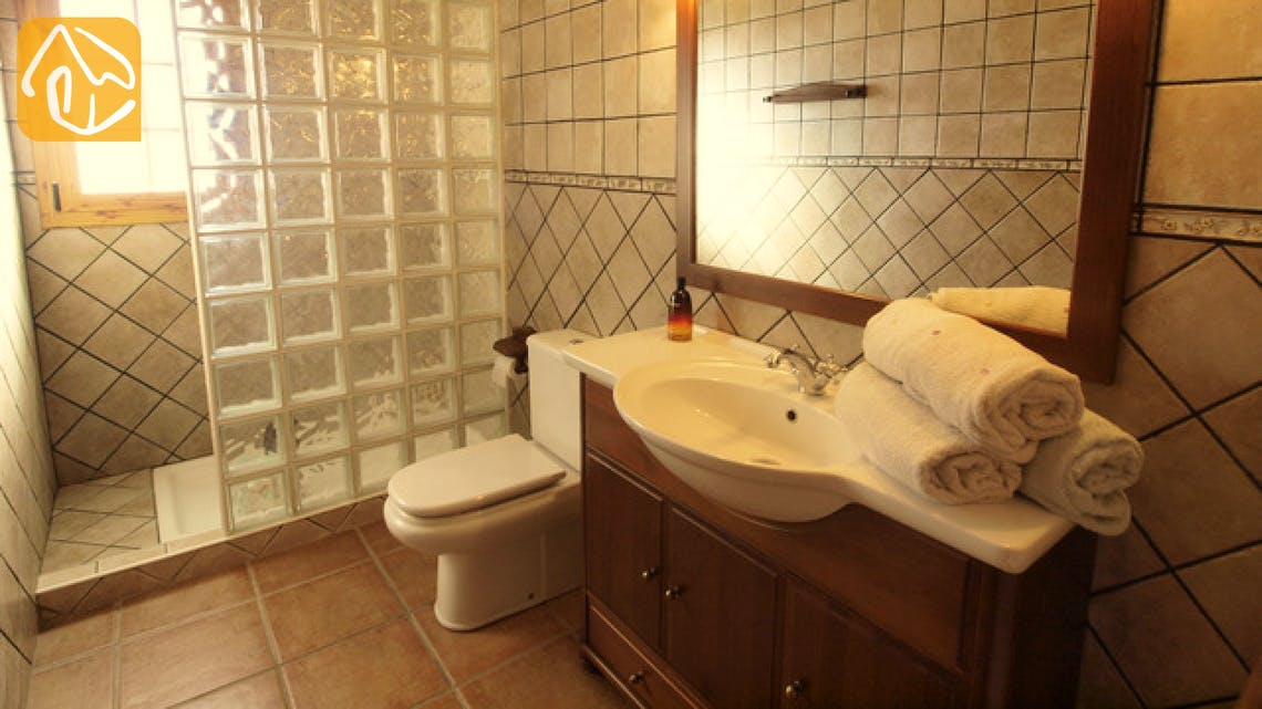 Holiday villas Costa Brava Spain - Villa Soraya - Bathroom