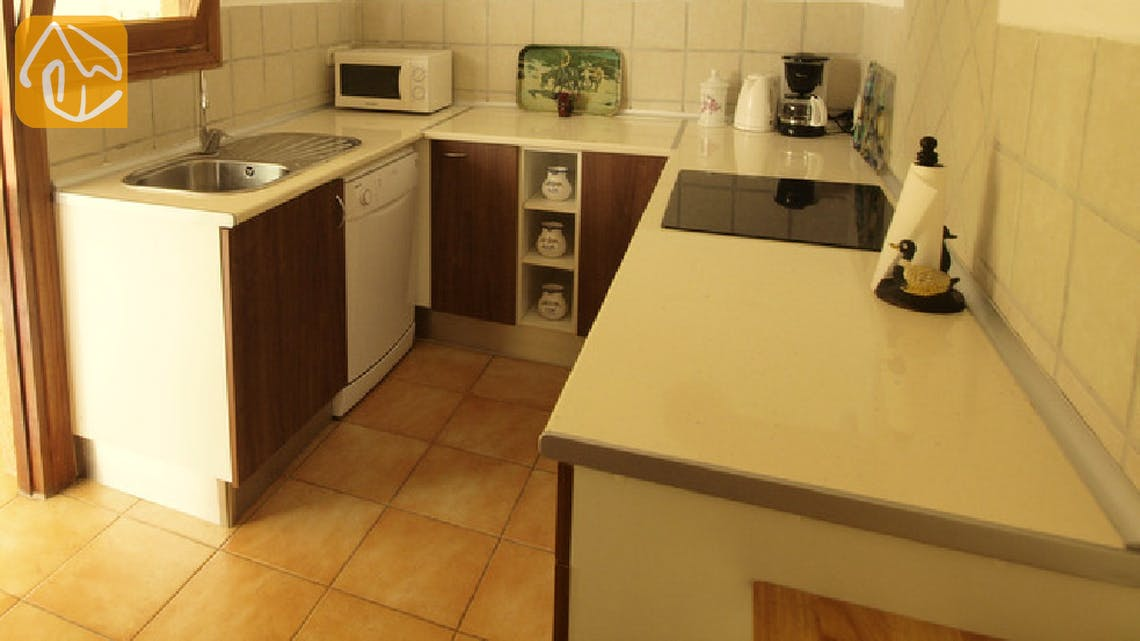 Holiday villas Costa Brava Spain - Villa Soraya - Additional kitchen