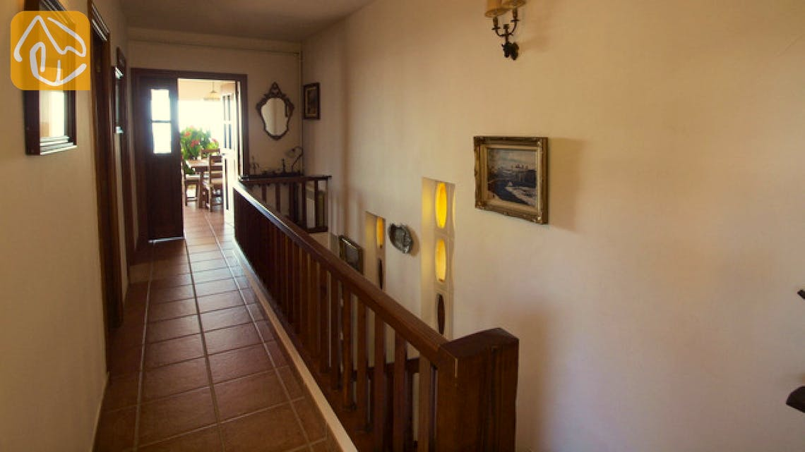 Holiday villas Costa Brava Spain - Villa Soraya - Entrance