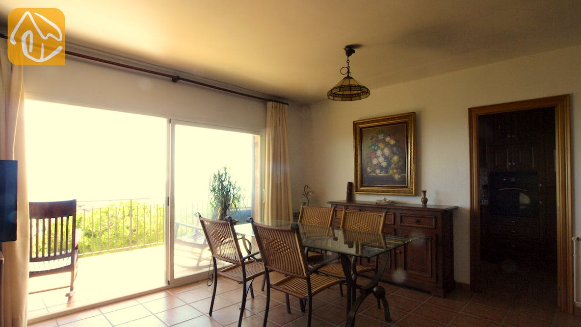 Holiday villas Costa Brava Spain - Villa Soraya - Dining area