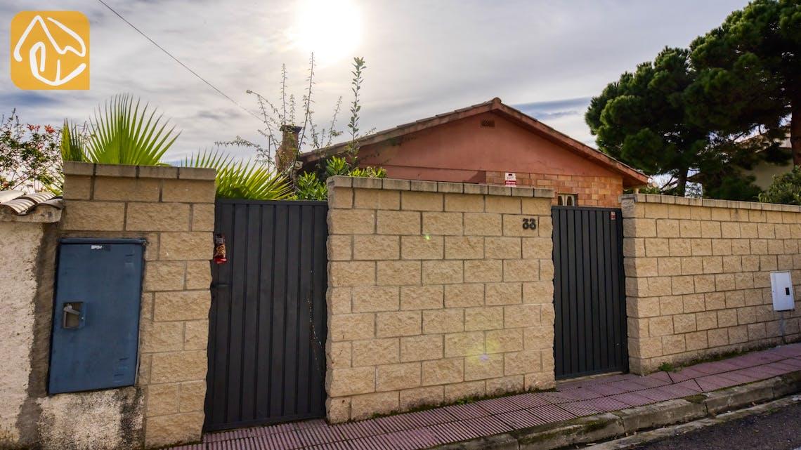 Casas de vacaciones Costa Brava España - Villa Soraya - Street view arrival at property