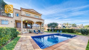 Holiday villa Costa Brava Spain - Villa Picasso - Swimming pool