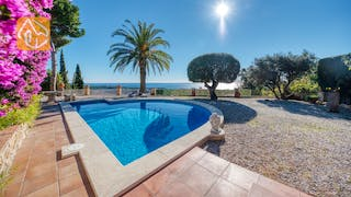 Holiday villas Costa Brava Spain - Villa Gabriella - Swimming pool