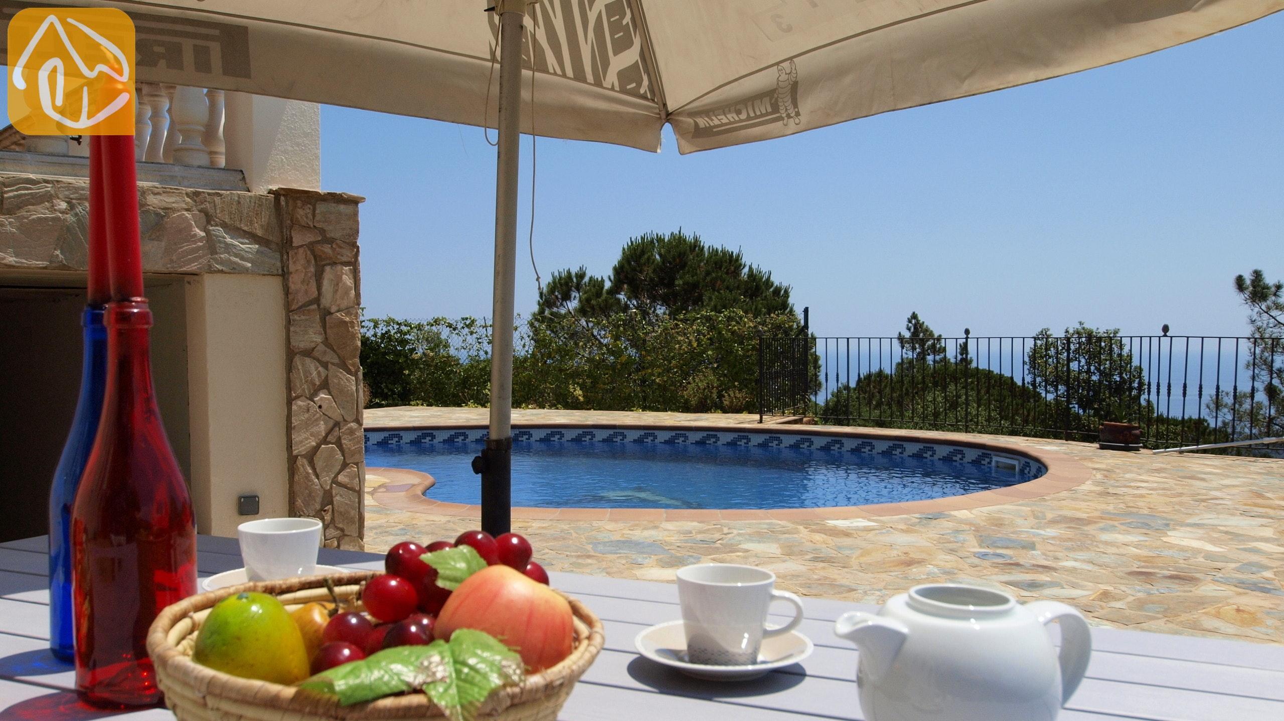 Ferienhäuser Costa Brava Spanien   Villa Senna   Villa Außenbereich