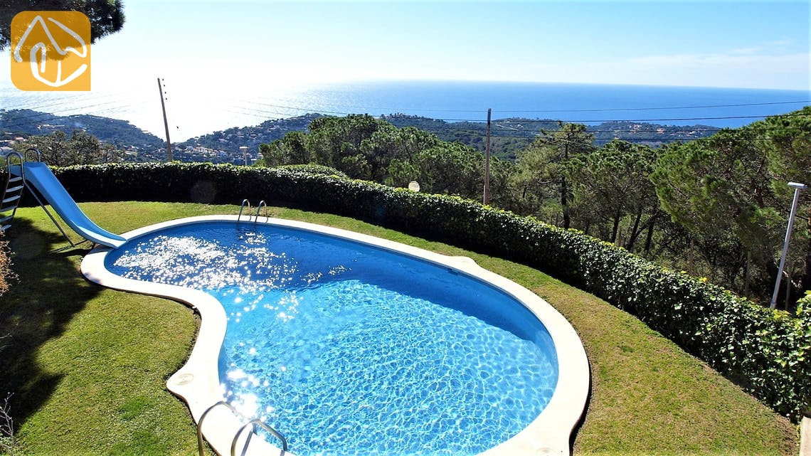 Holiday villas Costa Brava Spain - Villa Fellini - Swimming pool