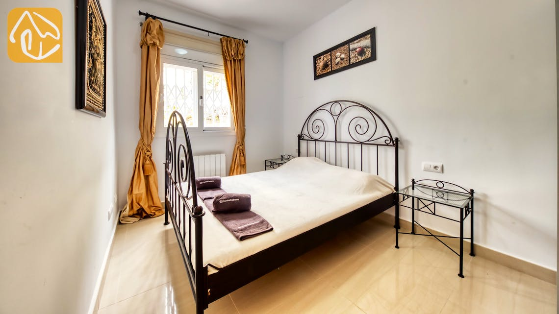 Holiday villas Costa Brava Spain - Villa Sophia Lois - Bedroom