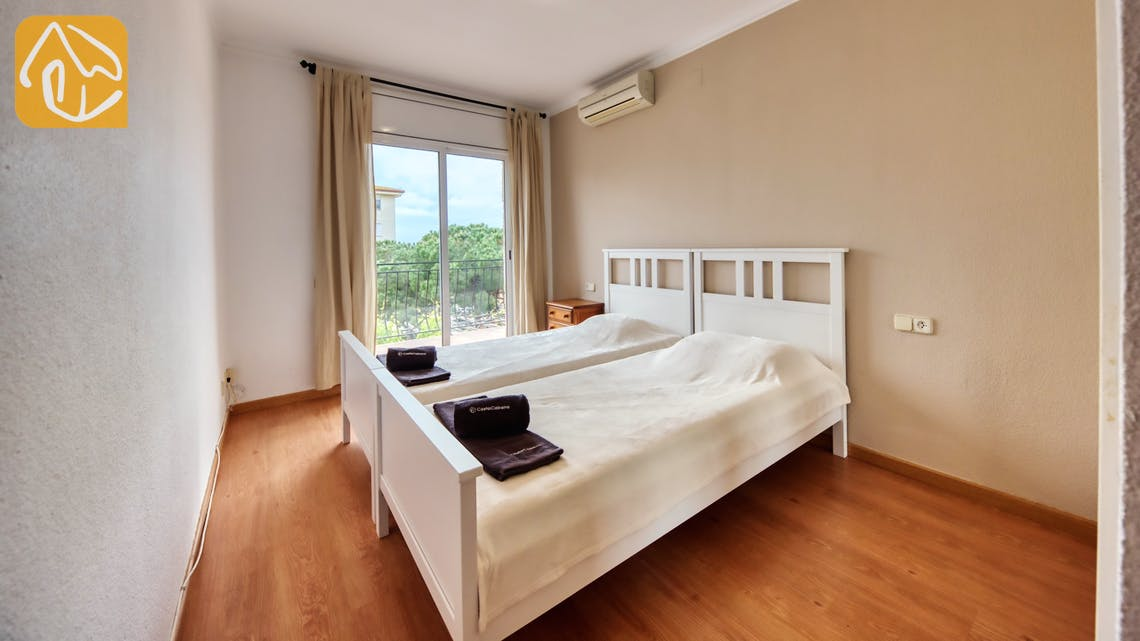 Holiday villas Costa Brava Spain - Villa Dolce Vita - Master bedroom