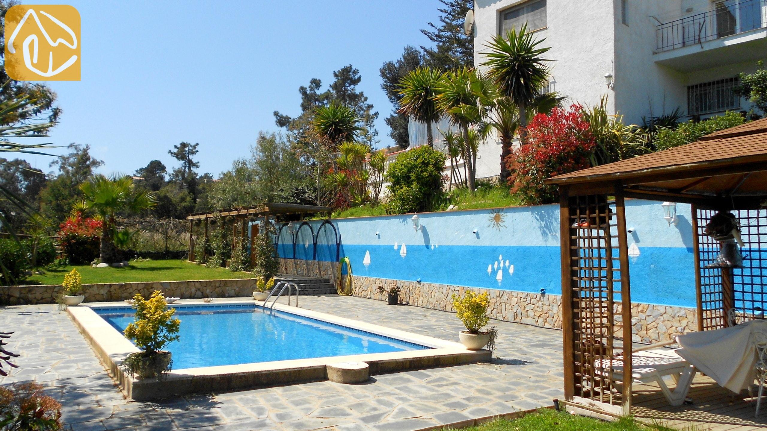 Ferienhäuser Costa Brava Spanien   Villa Magnolia   Schwimmbad