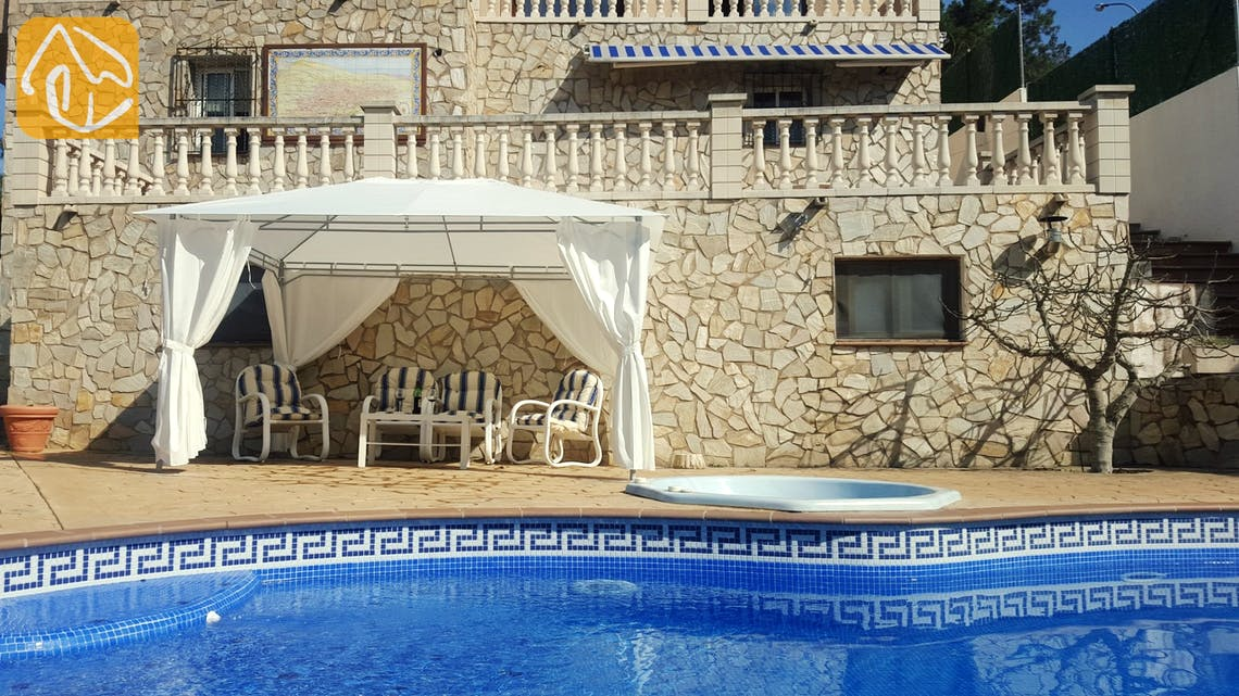 Holiday villas Costa Brava Spain - Villa Garvin - Swimming pool