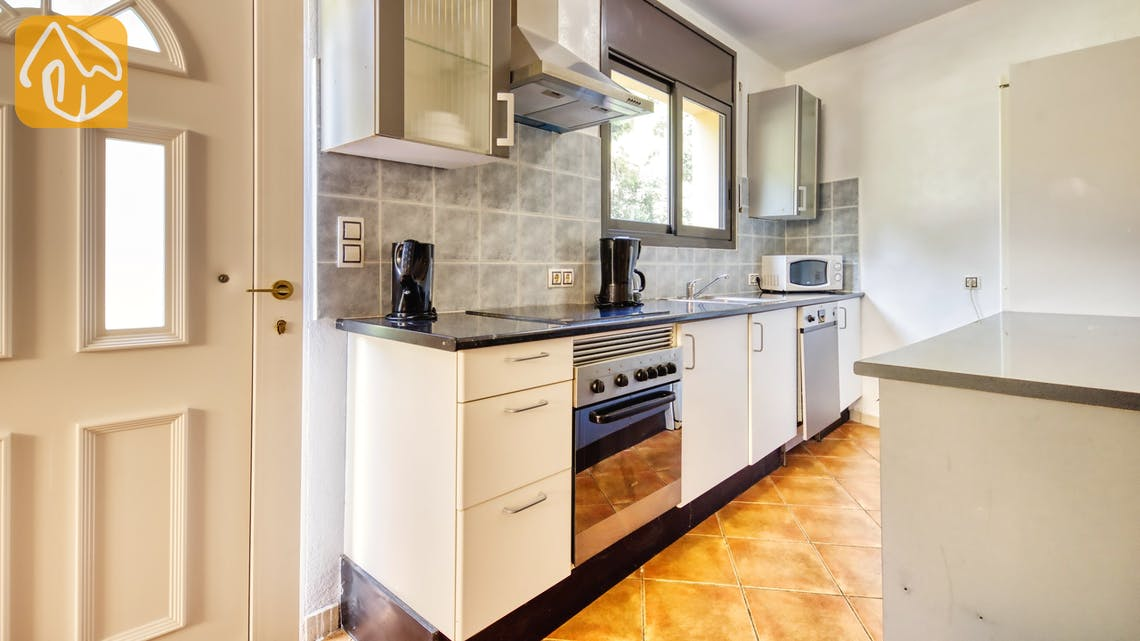 Holiday villas Costa Brava Spain - Villa Anastasia - Additional kitchen