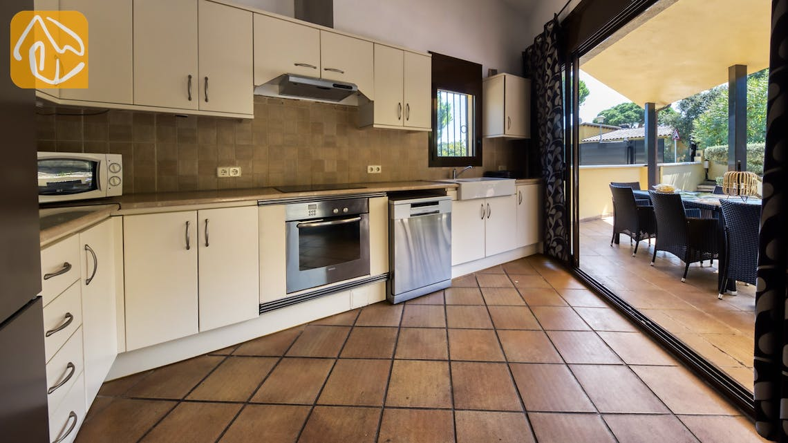 Holiday villas Costa Brava Spain - Villa Anastasia - Kitchen