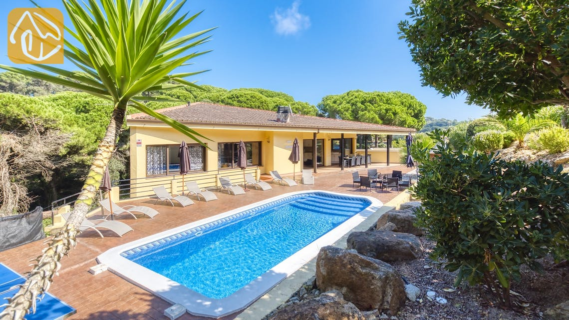 Holiday villas Costa Brava Spain - Villa Anastasia - Swimming pool
