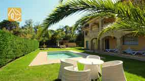 Holiday villa Costa Brava Spain - Villa Jenga - Garden