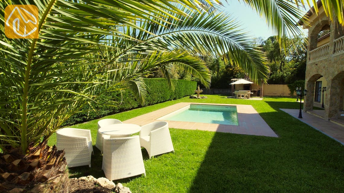 Holiday villas Costa Brava Spain - Villa Jenga - Garden