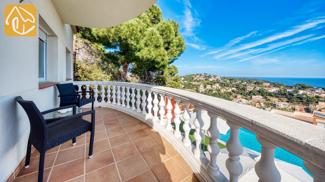Holiday villas Costa Brava Spain - Villa Chanel - Terrace