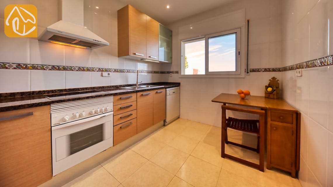 Holiday villas Costa Brava Spain - Villa Chanel - Kitchen