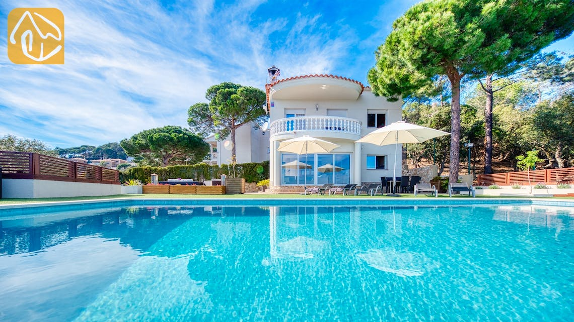 Holiday villas Costa Brava Spain - Villa Chanel - Villa outside