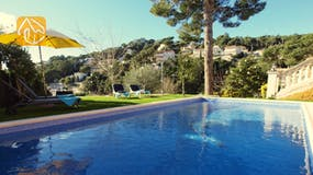 Holiday villas Costa Brava Spain - Villa Noa - Swimming pool