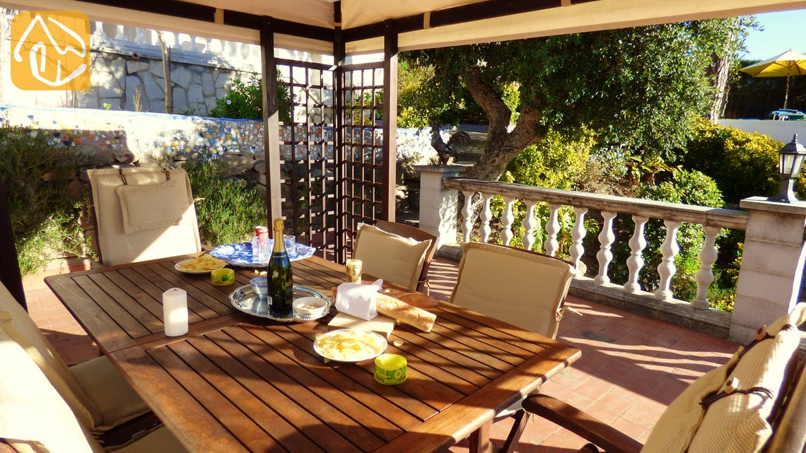 Holiday villas Costa Brava Spain - Villa Noa - Dining area