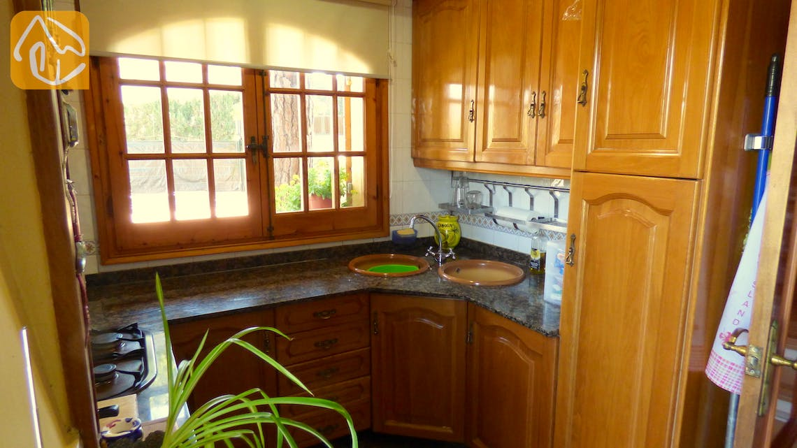 Holiday villas Costa Brava Spain - Villa Daniele - Kitchen